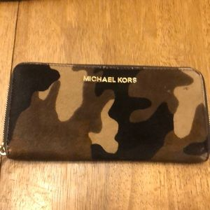 Michael Kors Bags - Michael Kors Carry-On Tote and Wallet